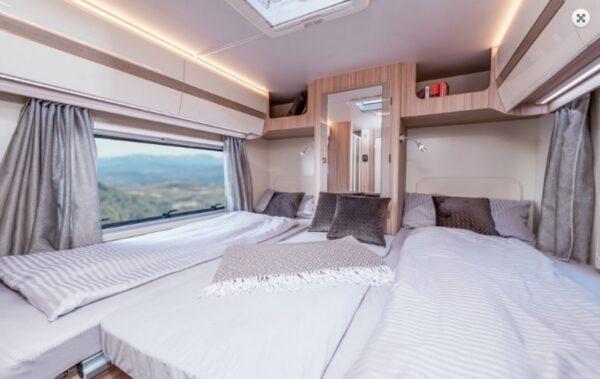 Ahorn karavan Canada AE