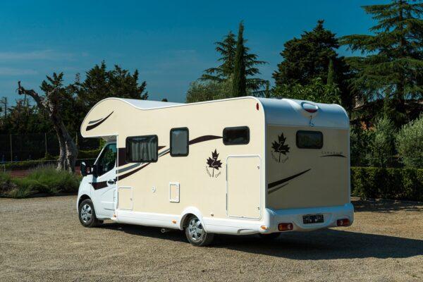 karavan Ahorn Canada AD