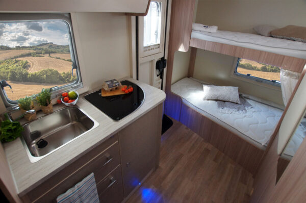 Ahorn Canada AS karavan interier